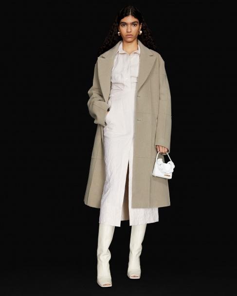 Le manteau Carro